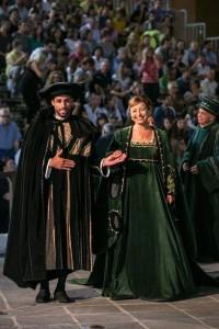 Il sindaco Donatella Tesei in costume del 1400