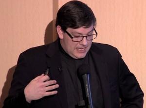 Padre Sean kilcawley della diocesi di lincoln usa