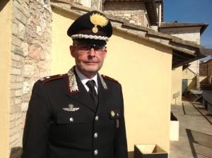Il maggiore Marco Vetrulli. comandante della compagnia di Assisi
