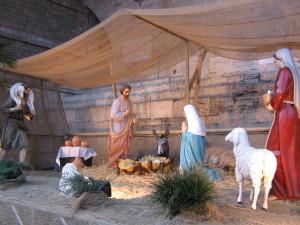 una-precedente-edizione-del-presepe-nelle-logge-di-braccio-della-cattedrale-in-piazza-iv-novembre-pg