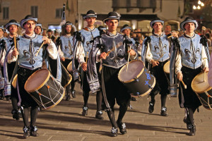 I tamburini del rione Giotti (foto Stefano Preziotti)
