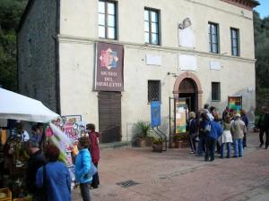TURISTI INGRESSO MUSEO MERLETTO