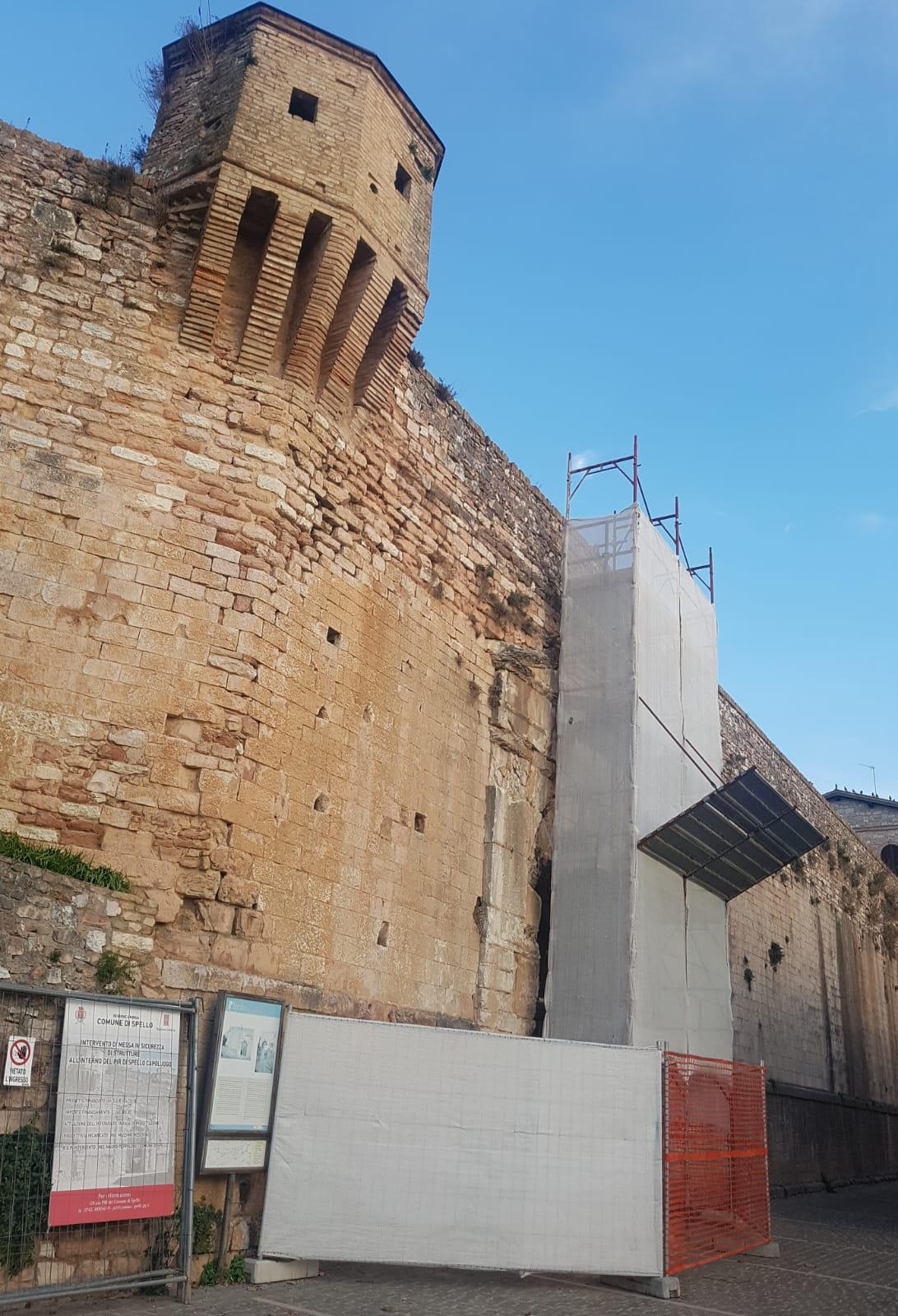 Spello, lavori di consolidamento di Porta Urbica - Il quotidiano che racconta l'Umbria