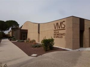 Villa mosaici esterno