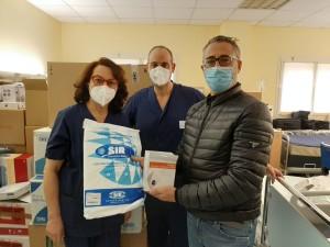 Antonio-Baldaccini Socio Fondatore della Fondazione  ha donato quasi mille tute e mascherine al reparto rianimazione dell'Ospedale di Foligno